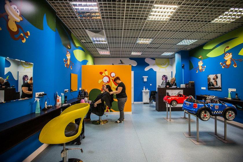 Zbierają włosy na peruki dla chorych na raka