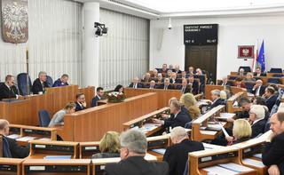 Ustawa o IPN przyjęta o 2 w nocy bez poprawek