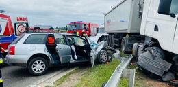 Tragedia pod Płońskiem. Nie żyje kobieta, troje dzieci trafiło do szpitala