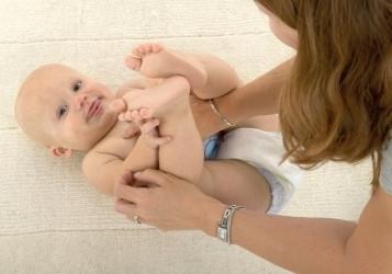 Najważniejszy dla niemowlaka jest kontakt z mamą