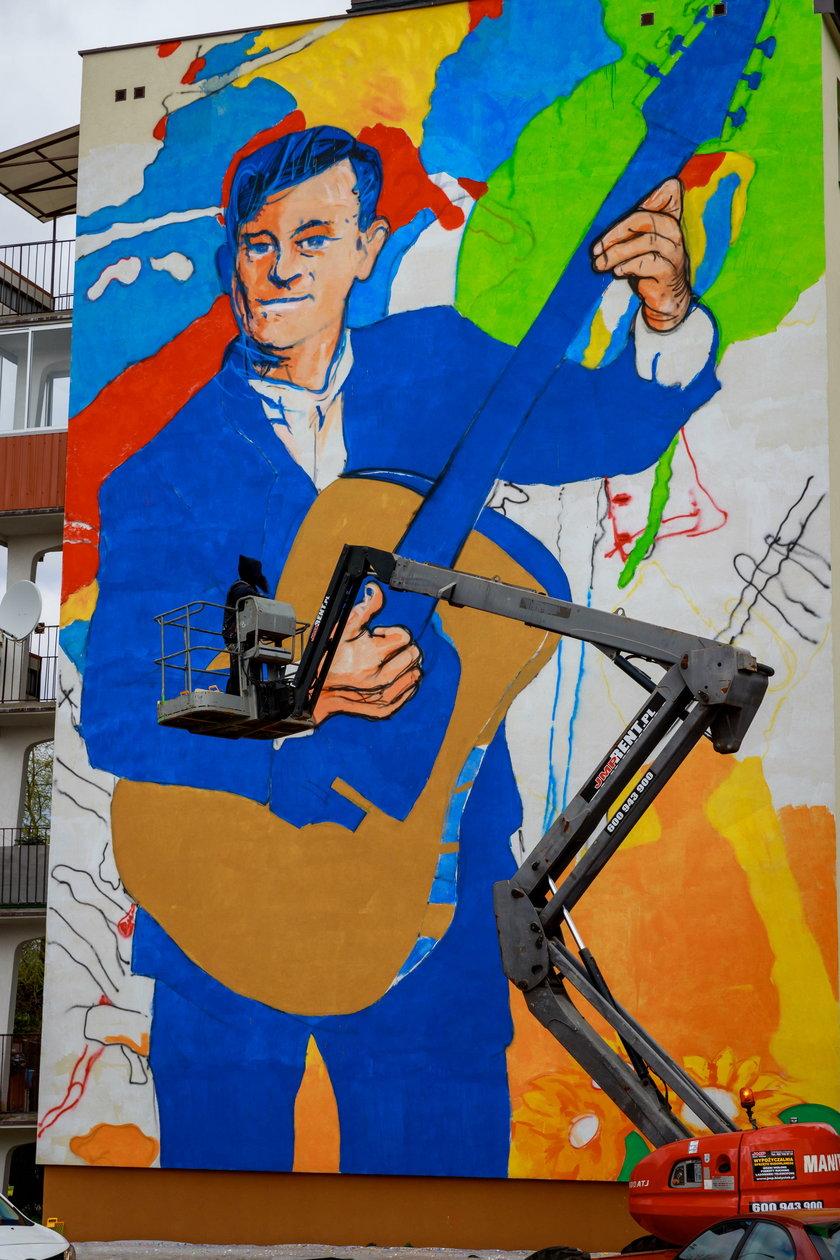 Mural z Zenkiem Martyniukiem  z Białymstoku