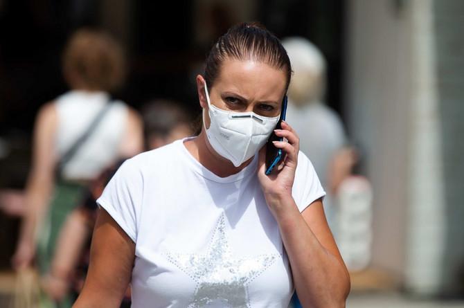 Ako se izuzme testiranje, određeni simptomi mogu da budu pokazatelj da se radi o koroni a ne o gripu
