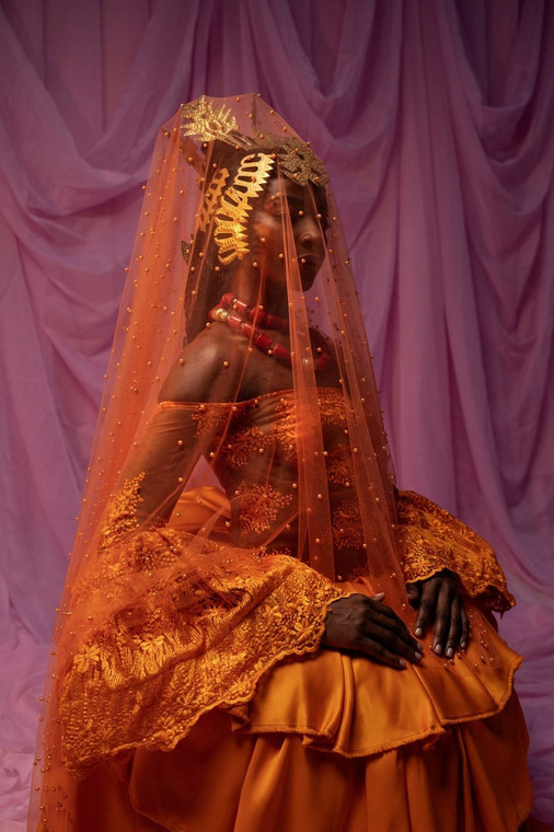 Nigerian photographer Lakin Ogunbanwo new series about the visuals o Nigerian weddings featured in Vogue [Credit: Vogue.it]