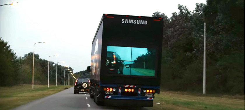 Przezroczysta ciężarówka już jeździ