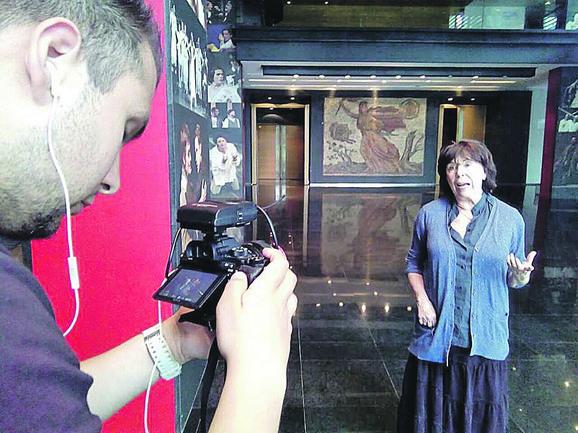 Seka Sablić tokom snimanja dokumentarca o ivanjičkom festivalu