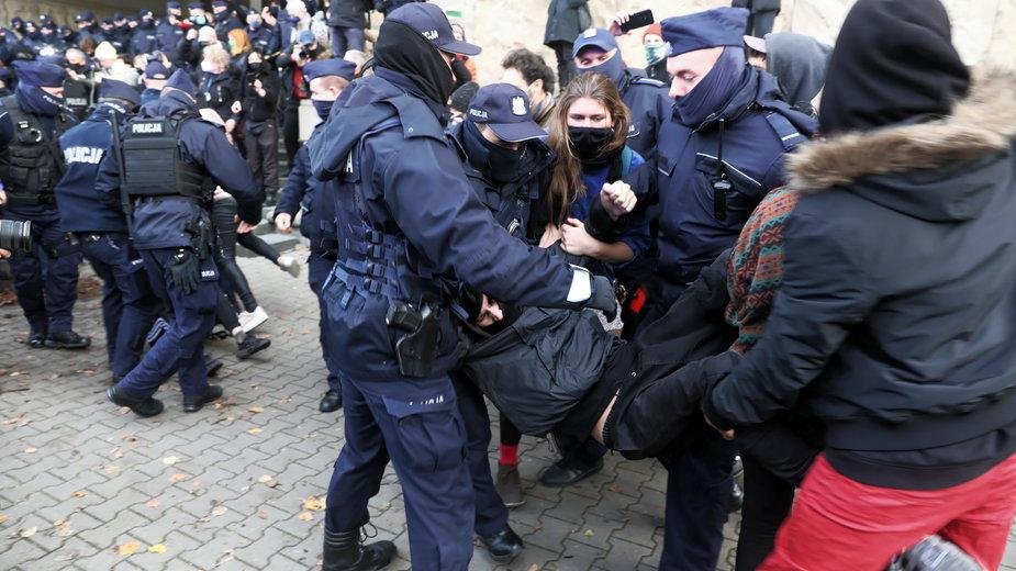 Zatrzymania przed Sądem Okręgowym w Warszawie