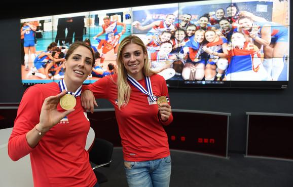 Tijana Malešević i Jovana Stevanović u redakciji