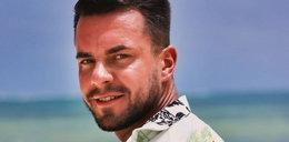 """Do mieszkańców """"Hotelu Paradise"""" dołączył Krzysztof. Pierwszą noc spędził z Bibi. Czy będzie z tego coś więcej?"""