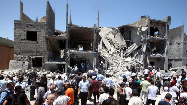 Dom zniszczony jakoby w trakcie nalotów NATO na Trypolis