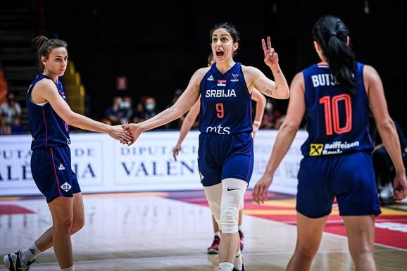 SRBIJA JE ZEMLJA KOŠARKE! Uz neočekivanu junakinju ostvaren preokret protiv Crnogorki - sa prvog mesta idemo u četvrtfinale!