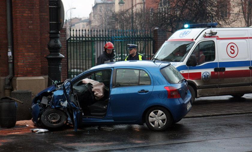 Wypadek autobusu w Krakowie.