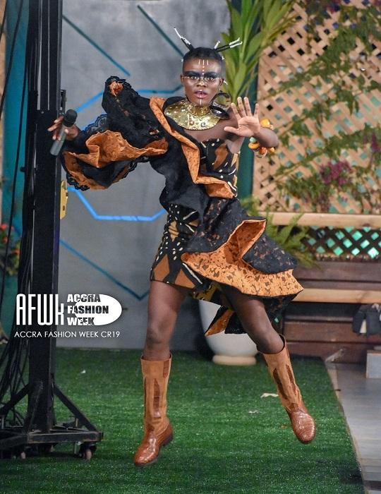 Wiyaala models, sings at Accra Fashion Week 2019