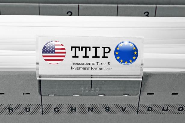 """""""Amerykanie nie wyrażają zgody na rozdział dotyczący energii, bo nie mają go w innych umowach o wolnym handlu"""" - powiedział PAP pragnący zachować anonimowość urzędnik KE zbliżony do negocjacji."""
