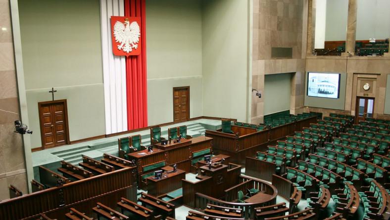 Posłów PO będzie w najbliższych tygodniach obowiązywać dyscyplina partyjna