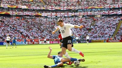 Former England winger Downing retires