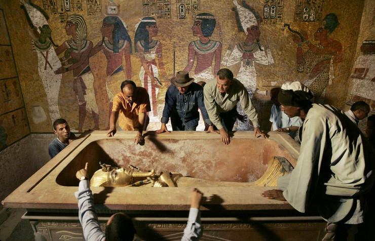 13793_tutankamon-ap