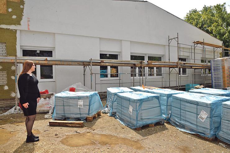 Izgradnjom novog objekta prostorni kapacitet će biti povećan za još 110 dece, tako da će liste čekanja biti ukinute