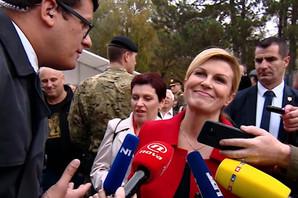 """""""KORISTI DECU ZA POLITIČKU KAMPANJU"""" Kolinda je stigla na festival, a onda uradila nešto što ne priliči predsednici već ESTRADNOJ ZVEZDI (FOTO)"""