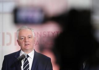Gowin: Odwoływanie się do faszystowskich haseł w Polsce urąga godności ofiar