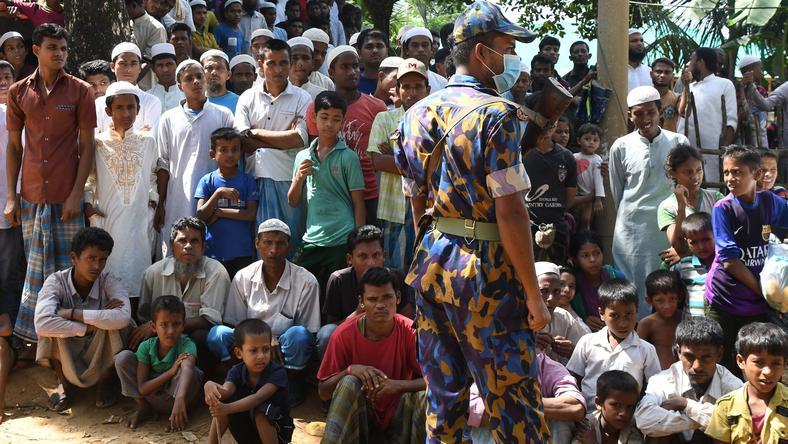Rohingowie, którzy uciekli z Birmy do Bangladeszu