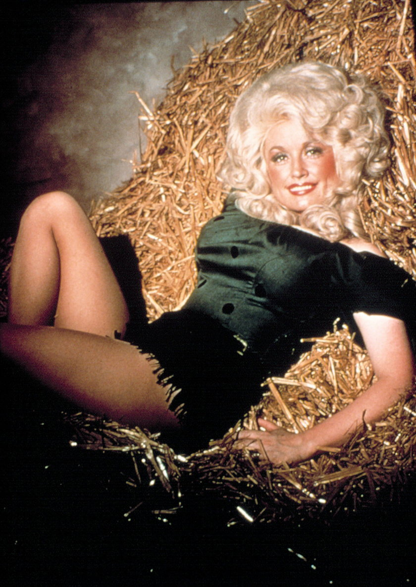 BEST LITTLE WHOREHOUSE IN TEXAS (1982) - DOLLY PARTON.