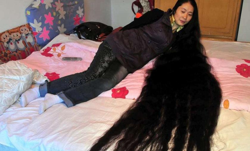 Bardzo długie włosy Chinki
