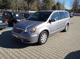 Auto z ogłoszenia: Chrysler Town&Country z USA - nadwozie jak nowe?