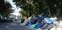 Śmieci zasypują ulicę!