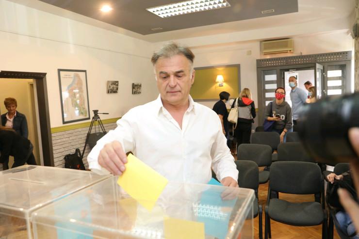 Demokratska stranka glasanje za predsednika branislav lečić foto zoran ilic (3)