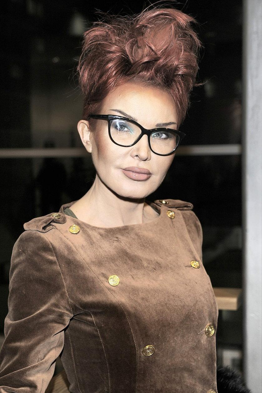Ewa Minge w okularach