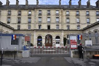 16 nowych zakażeń koronawirusem we Francji. Anulowano szereg imprez