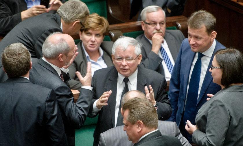 Prezes Kaczyński prosi posłów o uczciwość