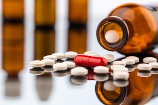 'Apteka dla aptekarza': Wielkie sieci chcą inwestować w Polsce, farmaceuci czują się oszukani