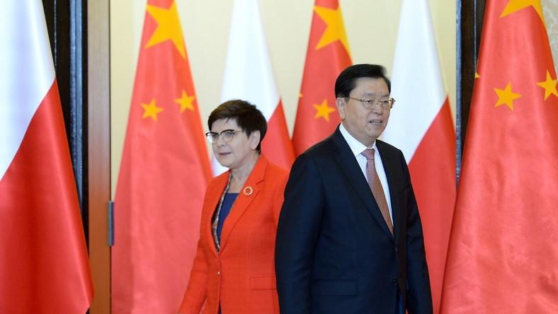 Polska premier już kilka dni temu spotkała się z przewodniczącym Komitetu Stałego Ogólnochińskiego Zgromadzenia Przedstawicieli Ludowych, ale nie mogliśmy się powstrzymać przed pokazaniem stylizacji, którą wybrała na tę okazję...
