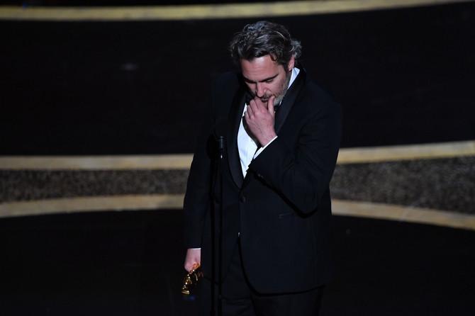 Hoakin Finiks plakao tokom govora na Oskaru