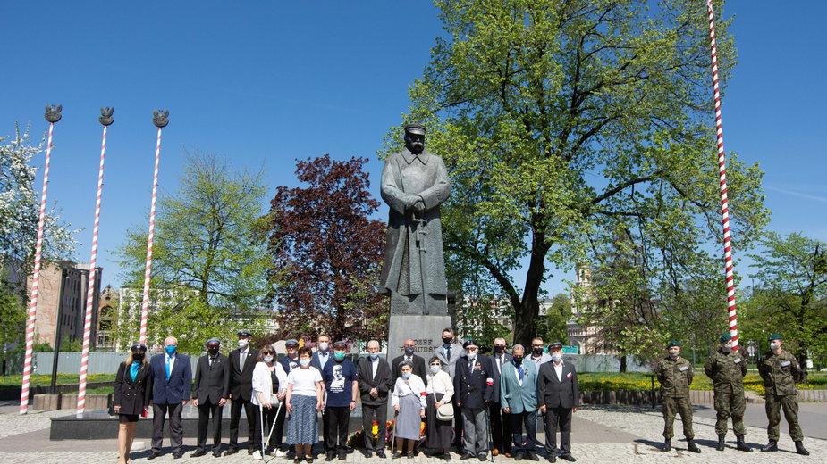 Łódź. Tak uczczono 86. rocznicę śmierci Józefa Piłsudskiego