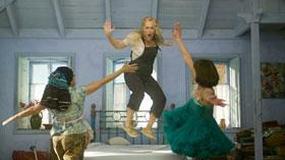 Julie Walters zwichnęła nogę tańcząc z Meryl Streep