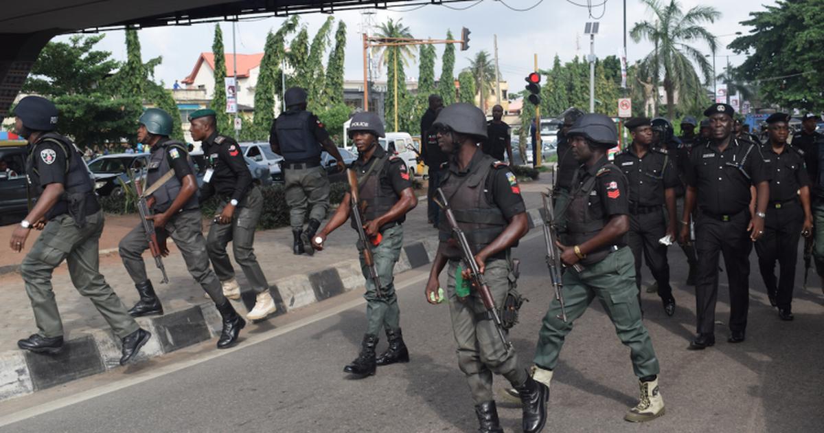 Police arrest 15 suspected criminals, recover guns, ammunition in Enugu - Pulse Nigeria