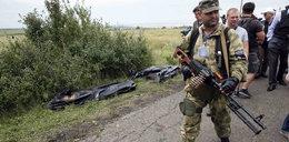 Zestrzelili samolot, kradną ciała ofiar