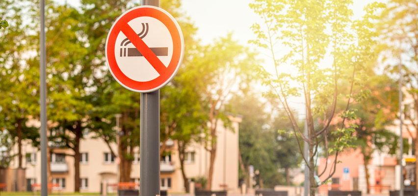 Strefy wolne od dymu przed blokami! Poznasz je po znakach