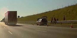 Mieli awarię na autostradzie, więc postanowili... zagrać w siatkówkę!