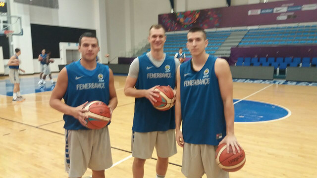 Nemanja Jaramaz, Petar Aranitović i Jovan Novak na treningu Fenera