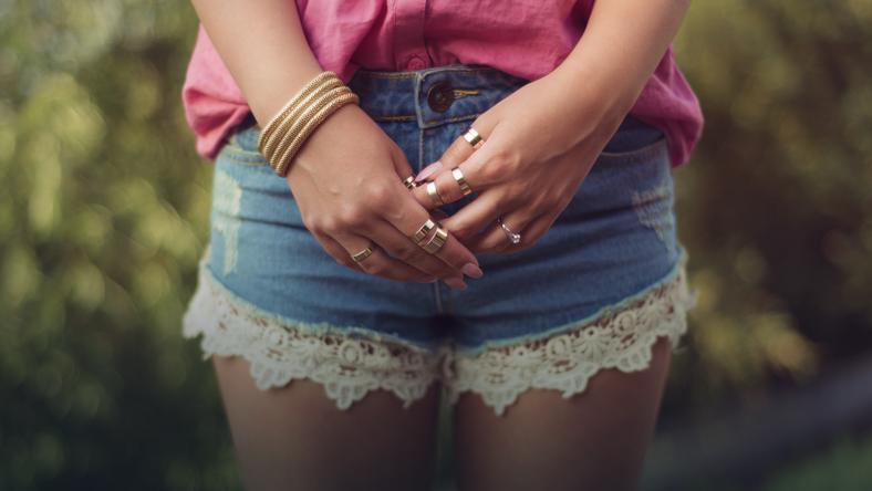 Seksowne szorty z dżinsów
