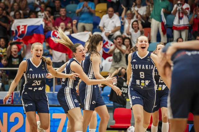 Radost slovačkih košarkašica posle plasmana u četvrtfinale