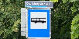 Poznań. Na przystankach autobusowych montują...