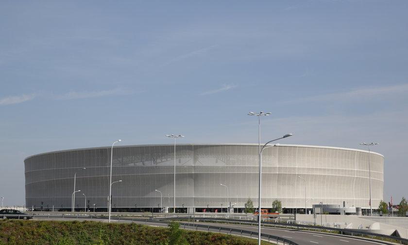 malowanie stadionu