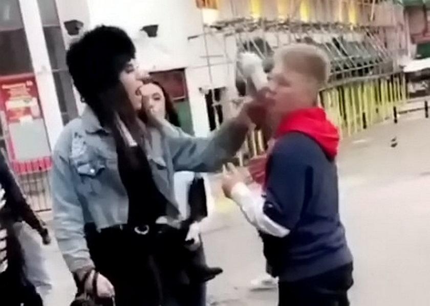 Wściekła nastolatka rzuciła się na kolegę z obcasem. Chciała go oślepić?