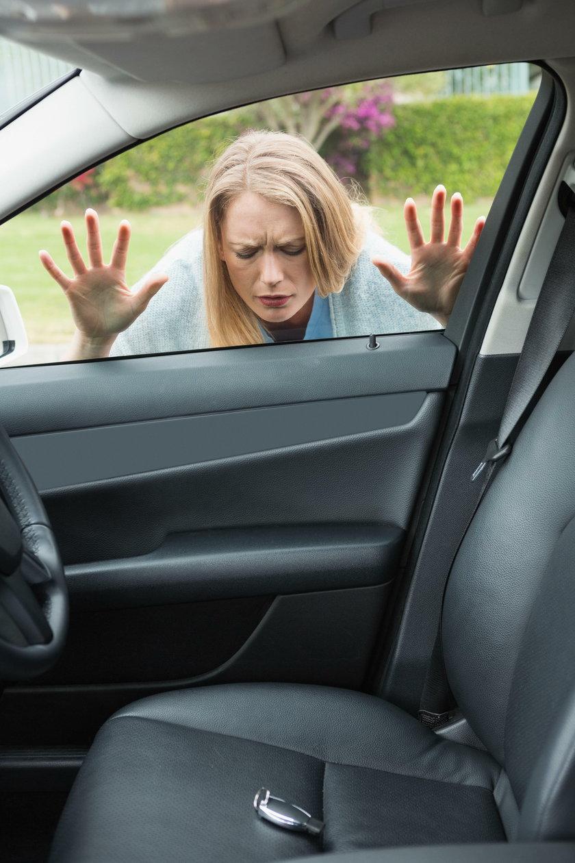 Zatrzasnąłeś klucze w samochodzie? Tym sposobem otworzysz go w 30 sek