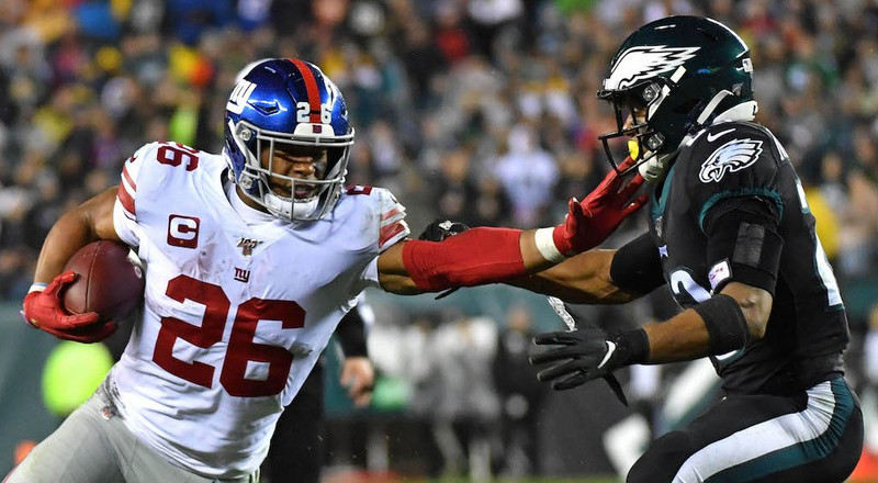 Saquon Barkley threw an Eagles linebacker to the ground with one of the meanest stiff arms of the season