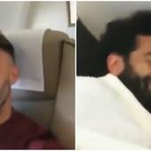 SALAH UHVAĆEN NA DELU Egipćanin nasmejao ekipu Liverpula jer je dokazao da MOŽE DA SPAVA gde god poželi /VIDEO/